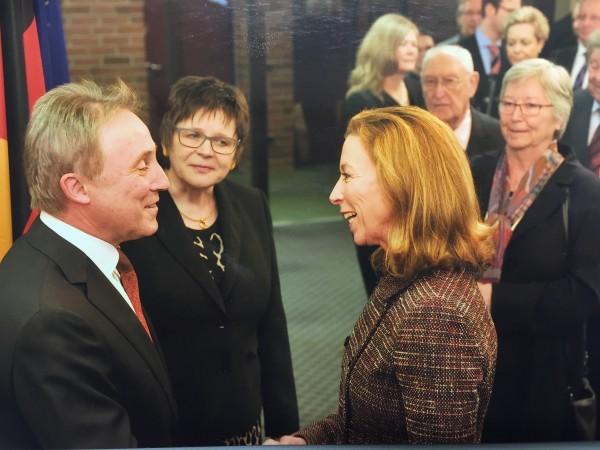 Landrat Dr. Haas mit FDP Landtagskandidatin Stefanie Knecht