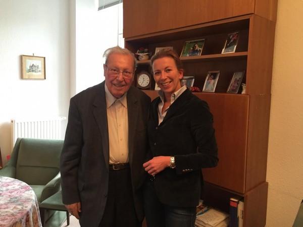 Stefanie Knecht gratuliert Prof. Karl Moersch zum 90. Geburtstag