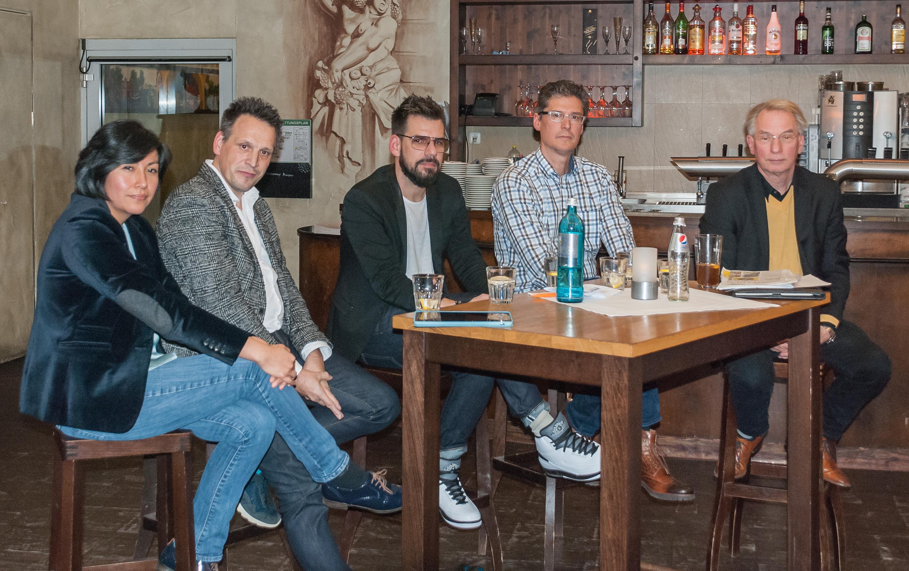 """FDP-Podiumsdiskussion """"Marke Ludwigsburg stärken, von links: Nadine Schuster (Stadt Ludwigsburg, Tourismus und Events), Axel Müller (LUIS Innenstadtverein), Jens Kenserski (Eventagentur pulsmacher), Jochen Eisele (FDP-Stadtrat), Johann Heer (FDP-Stadtrat)"""