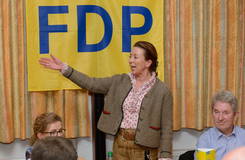 Stefanie Knecht beim Heringsessen der FDP Hemmingen