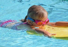 Kinder-Schwimmen